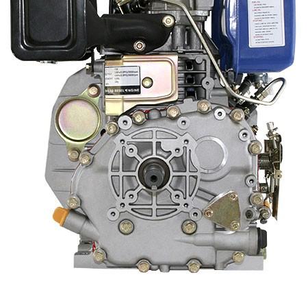 Universal Dieselmotor mit 4,4 kW (6 PS) 296 ccm 25 mm